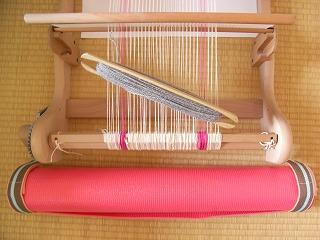 織機とヨガマット.jpg