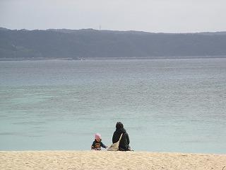 3親子と海.jpg